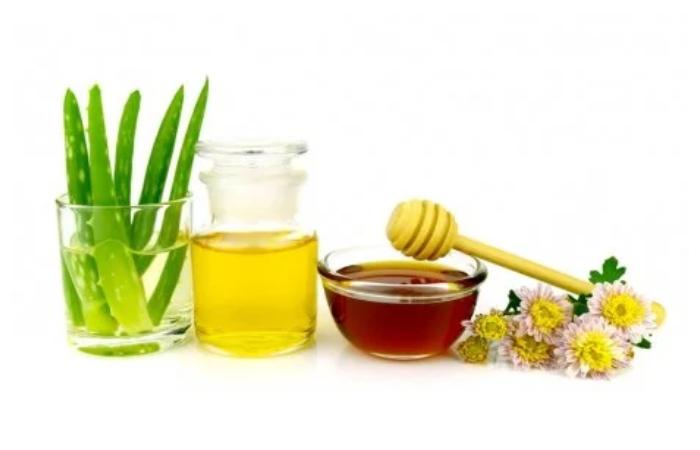 Aloe Vera Oil & Honey Makeup Remover