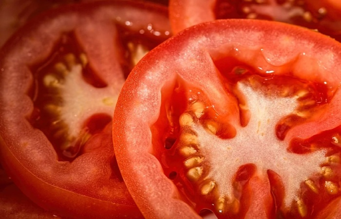 Lycopene-rich foods such as tomato Diet to Have Perfect Skin